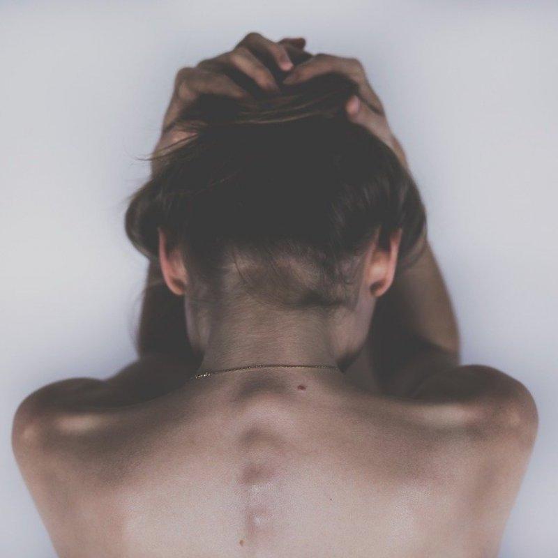低頭族的後側頭痛枕區神經壓迫問題-封面圖
